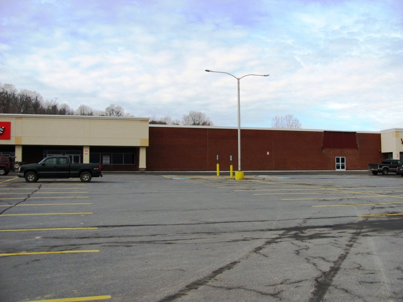 Tops Plaza Retail Space